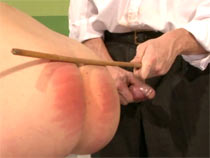 Doctor caned his patient
