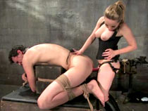 Aiden Starr strapon sit down